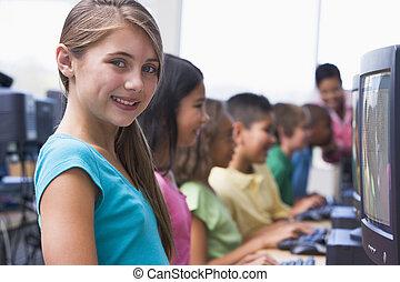 seis, crianças, computador, terminais, com, professor, em, fundo, (depth, de, field/high, key)