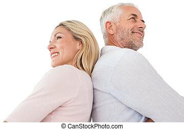 seitenansicht, von, glücklich, fälliges ehepaar
