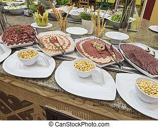 selction, de, frío, ensalada de carne, alimento, en, un, restaurante, buffet
