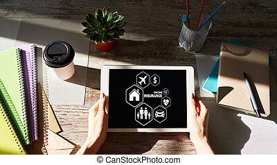selección, coche, concept., familia , screen., botones, en línea, vida, seguro, viaje
