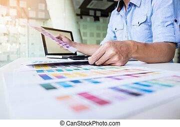 selección, mujer, concepto, trabajando, color, -, diseñador, o, diseño gráfico, muestras, interior, tecnología, renovación