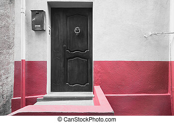 selective desaturation of a red wall in Sardinia