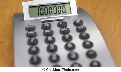Selective focus of the display and the keys of the calculator.
