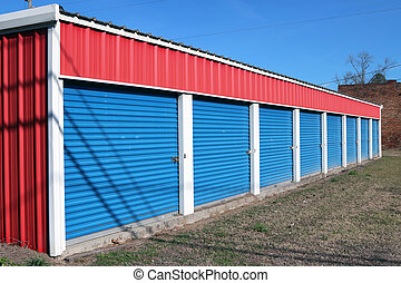 Self storage facility - Storage units in a retail lease...