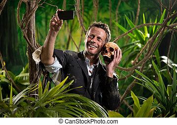 selfie, com, cranio, em, a, selva