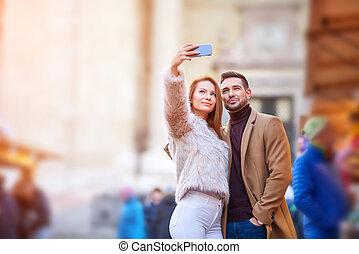 selfie, couple, marché, noël