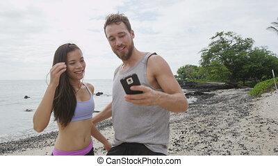 selfie, courant, prendre, séance entraînement, fitness, coureurs, après
