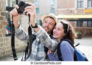 selfie, feriados, par, levando, jovem