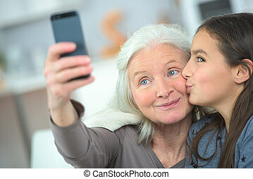 selfie, grand-maman