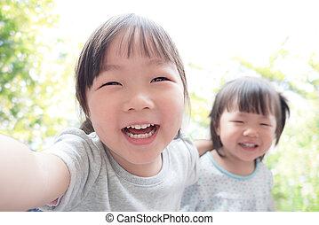 selfie, heureux, prendre, enfant