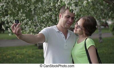 selfie, jeune, prendre, portrait, sourire, couple