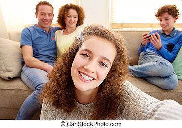 selfie, jovem, pais, fundo, menina, Levando, Feliz