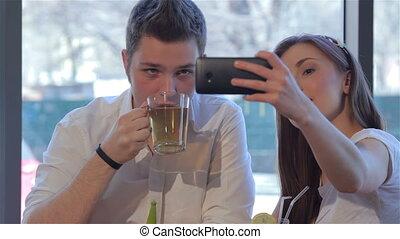 selfie, maakt, meisje, haar, boyfriend