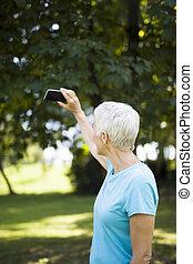 selfie, workaout, 取得, 後で, 女, 公園, シニア