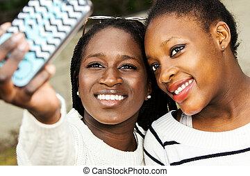 selfie, zwei, telefon., afrikanisch, jungendliche, nehmen, klug