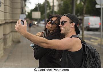 selfies, toma, pareja, joven