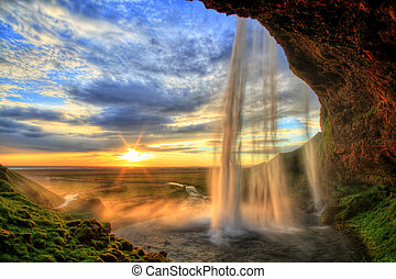 seljalandfoss, waterval, op, ondergaande zon , in, hdr,...