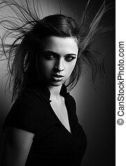 selvagem, expressivo, mulher, com, vento, penteado, e, vamp, olhar, ligado, dark., místico, portrait., preto branco
