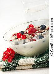 selvagem, yogurt, bagas, cereal