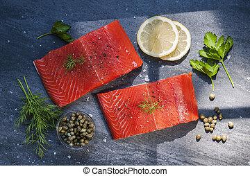 selvatico, salmone, bistecche