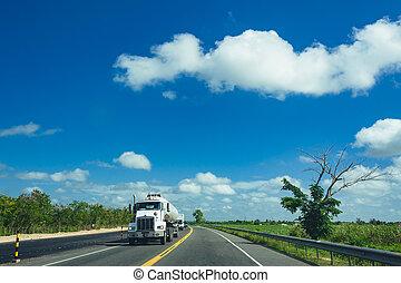 semi-camion, cargaison, conduite, front-view, caravane, autoroute