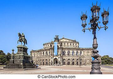 Semper Opera Dresden - An image of the Semper Opera in...