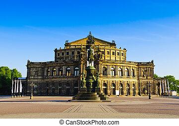 Semperoper Dresden - Semperoper (semper opera) in dresden,...