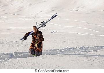 senda, hombro, nieve, trodden, sonriente, esquí, hombre ...