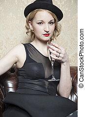 senhora, com, um, vidro champanhe