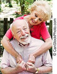 senior összekapcsol, szerelemben