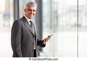 senior, affärsman, holdingen, kompress, dator