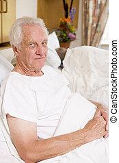 senior bábu, ülés, alatt, kórház ágy