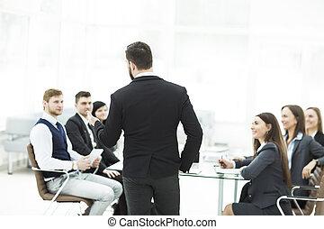 senior chef, av, den, företag, fästen, a, arbete, möte, med, affärsverksamhet lag, in, nymodig, kontor