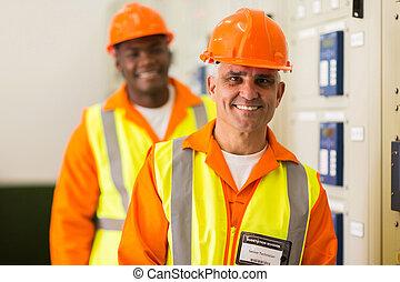 senior industrial technician
