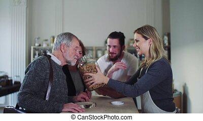 senior koppel, aankoop, kruidenierswaren, in, nul, afval,...