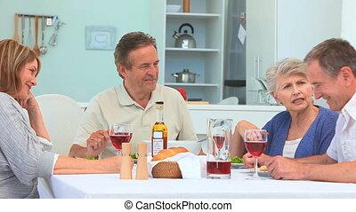 senior koppel, hebben, een, diner, samen