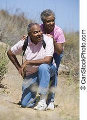 senior koppel, wandeling