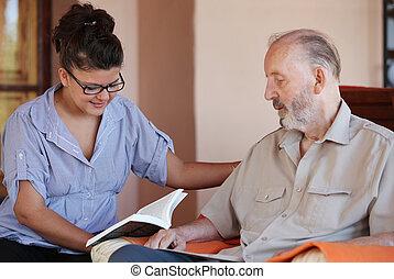 senior, läsning, carer