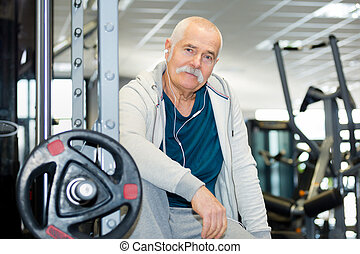 senior man in gym