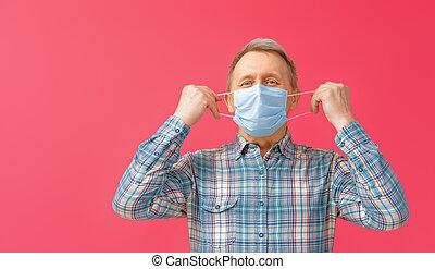 Senior man wearing facemask - Old man wearing facemask ...
