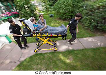 senior, medicinsk, kvinde, hjælp, nødsituation