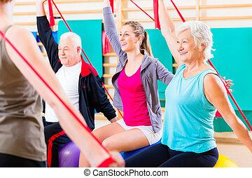 senior, mensen, op, fitness, cursus, in, gym