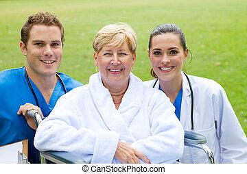 senior, patiënt, en, verpleegkundige