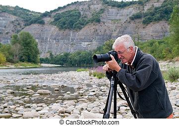 Senior Photographer