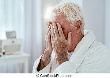 senior, smutny, płaczący, człowiek