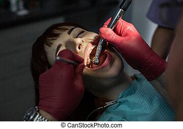 senior, stol, manlig, tandläkare, ung tålmodig, kvinnlig, dental, gymnastik, tand