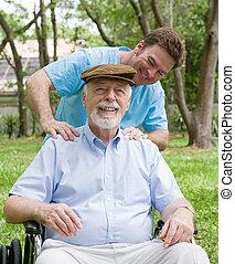 senior, verlustigt zich in, masseren