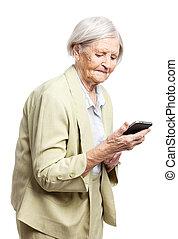 senior woman, användande, rörlig telefonera