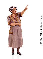 senior woman, hegyezés, afrikai