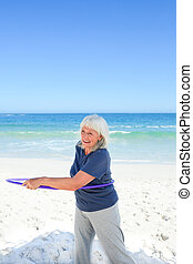 senior woman, játék, noha, neki, abroncs